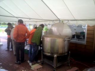 巨大鍋(2000杯鍋)