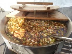 1000名鍋で、宮城県はっと汁。。うめっと~