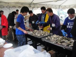 牡蠣祭り。ジャンボ蒸し器
